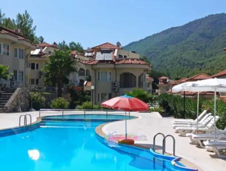 Dalaman Akkaya Mevkinde Satılık İkiz Villa